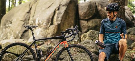 Jos Feron - Cyclocross fiets met sporter