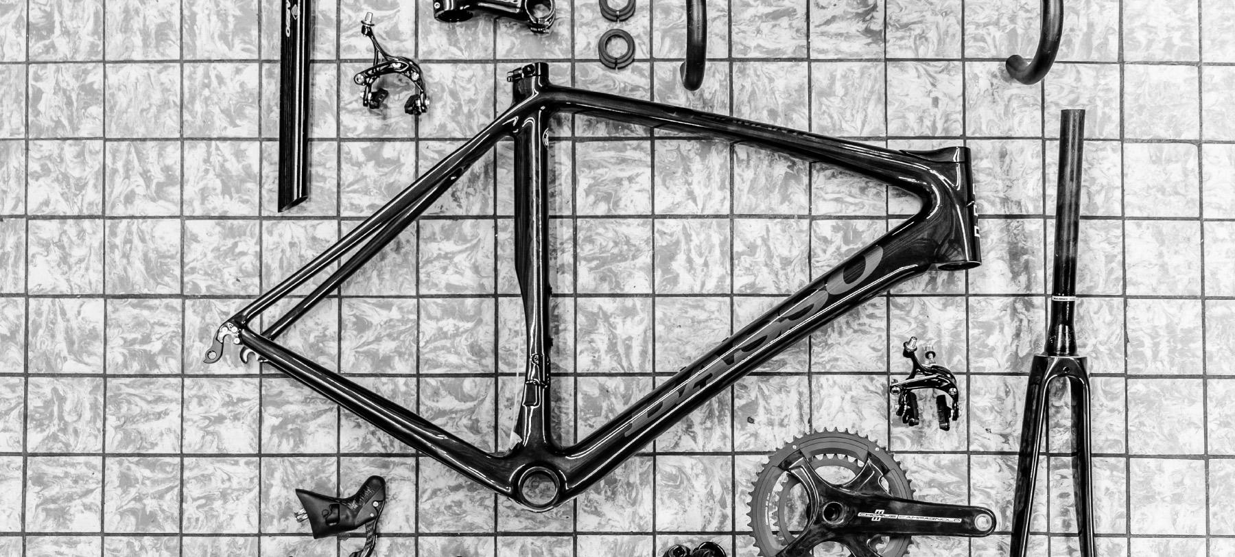 Jos Feron - Diverse onderdelen van een fiets